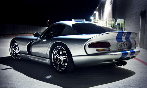 Beautiful Dodge Viper GTS.