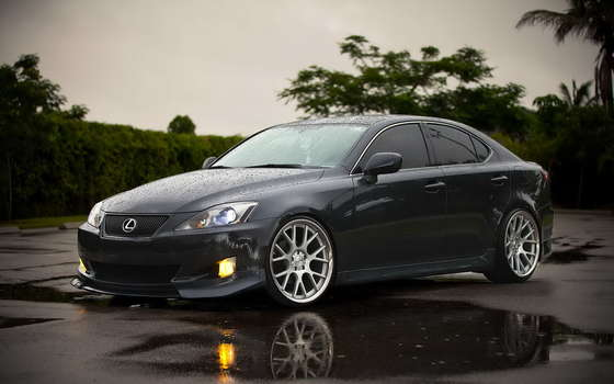 Gran Lexus IS 250.