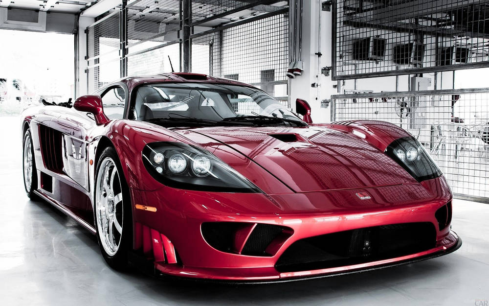 Graceful Saleen S7.
