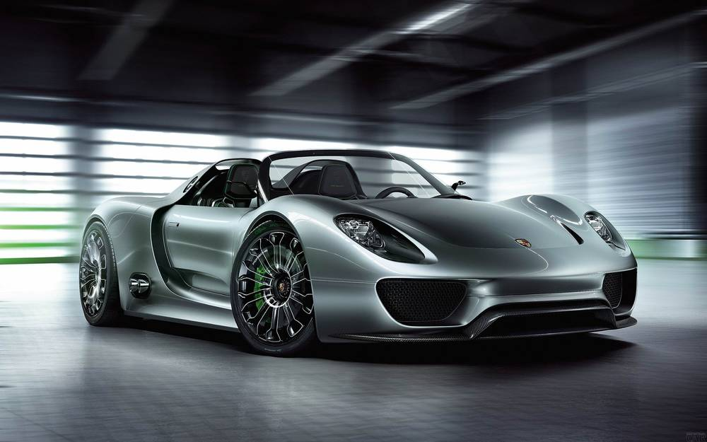 Great Porsche 918 spyder.