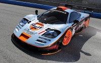 Picture with the dynamic characteristic of the car McLaren F1.
