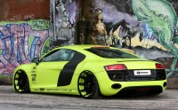 The picture with the hound car Audi R8 V10